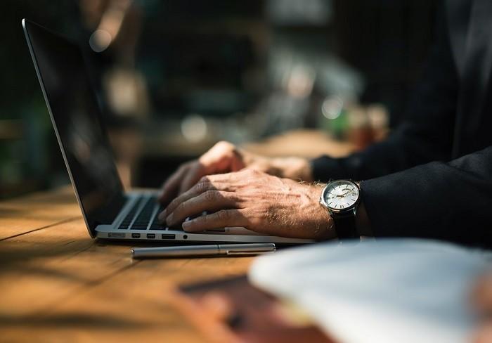 Short Term Rental Marketing vs Self Listing