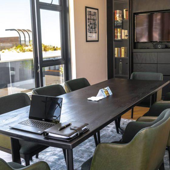 totalstay-latitude-boardroom-03
